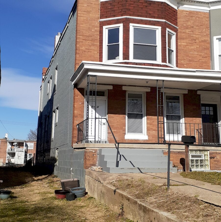 2810 Clifton Ave, Baltimore, MD 21216 Updated Classic Townhouse On Sale (1)