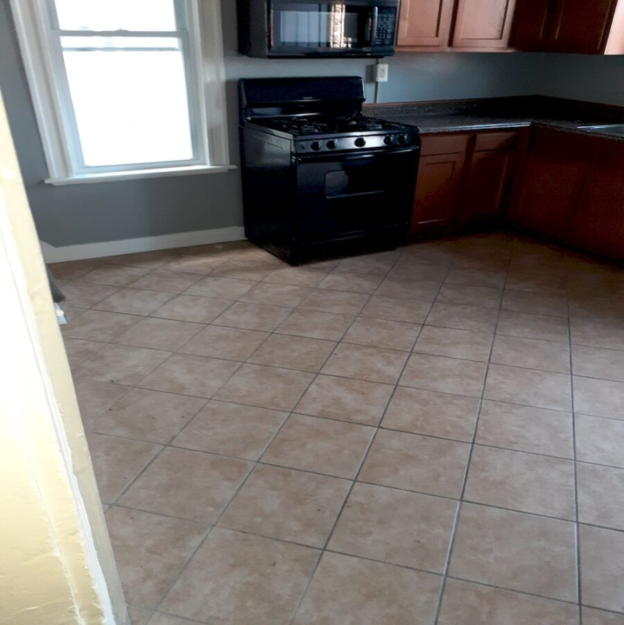 2810 Clifton Ave, Baltimore, MD 21216 Updated Classic Townhouse On Sale (17)