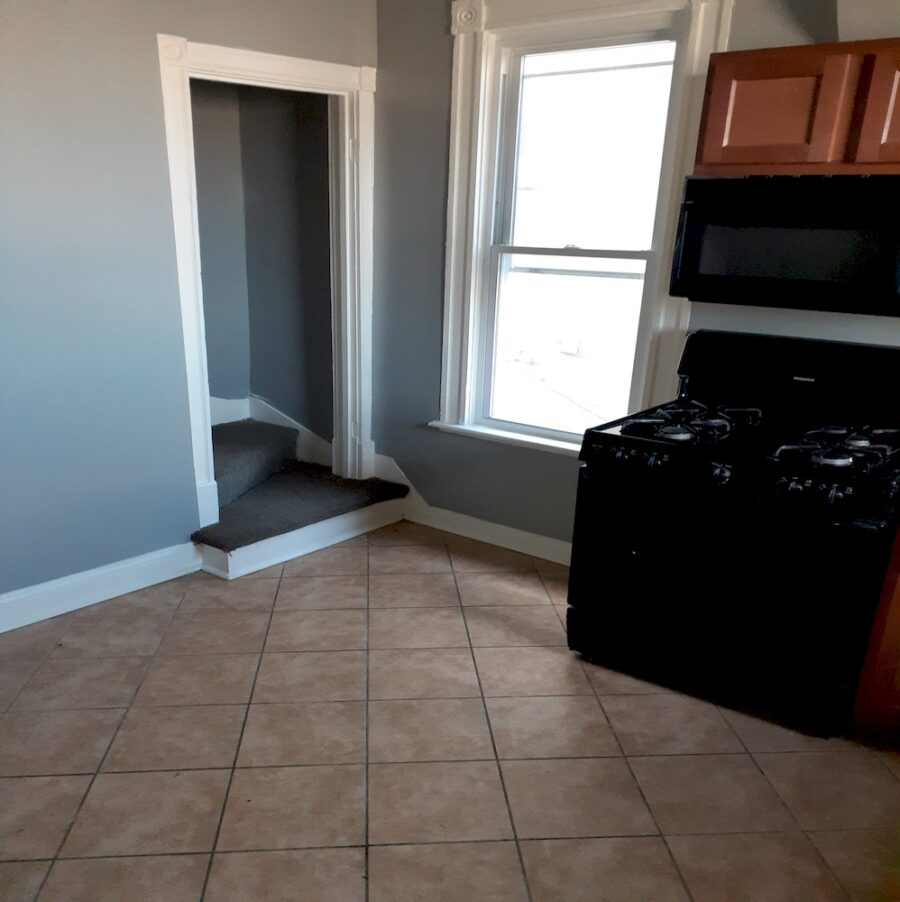 2810 Clifton Ave, Baltimore, MD 21216 Updated Classic Townhouse On Sale (19)