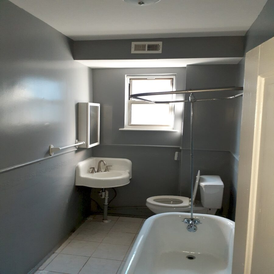 2810 Clifton Ave, Baltimore, MD 21216 Updated Classic Townhouse On Sale (26)